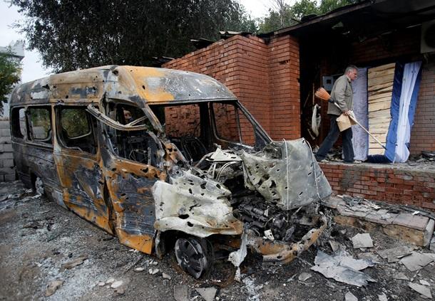 Донецк снова обстреливают. Шокирующие фото