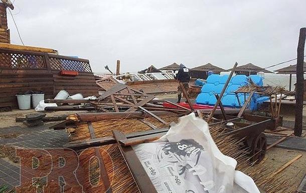 Над Украиной пронесся ураган: Для Запорожья он стал стихийным бедствием. Фото