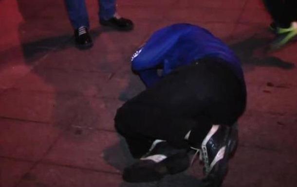 Во время сноса Ленина в Харькове жестоко избили мужчину. Видео
