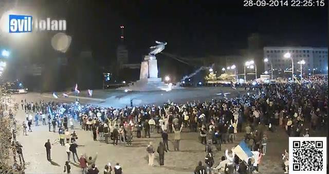 Как летел памятник Ленину в Харькове. Видео