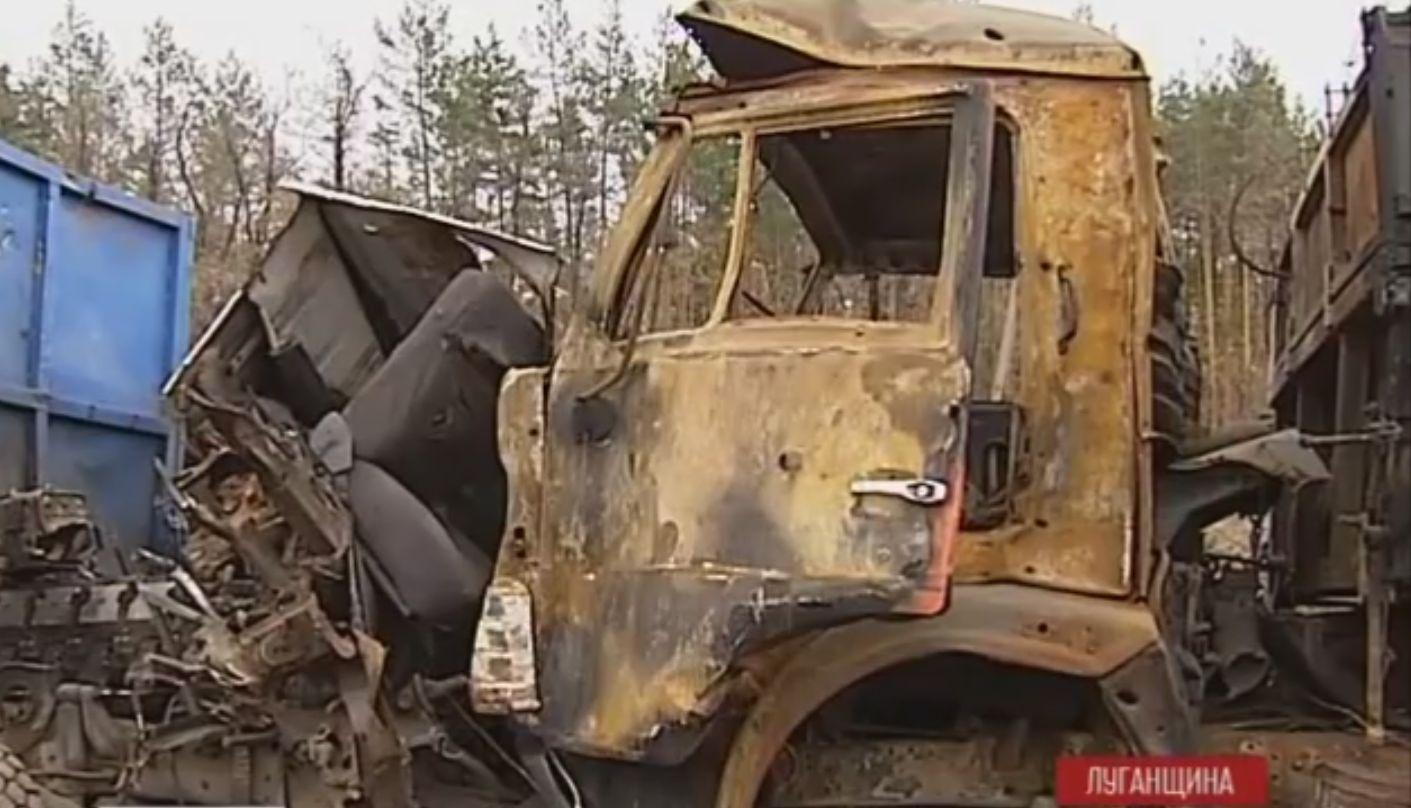 Бойцы рассказали, как им приходится выживать под Луганском среди сожженной техники и в ожидании атак. Видео
