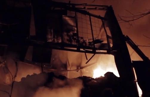 Пожар в Киеве на Шулявке: Две тысячи квадратных метров в огне. Видео
