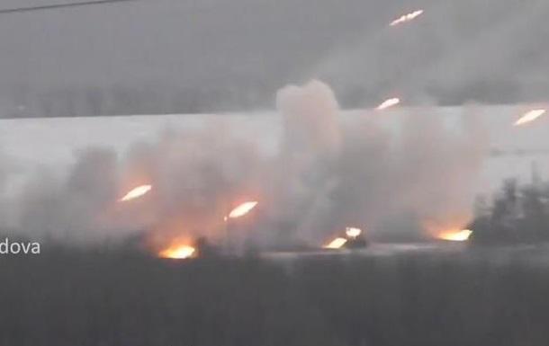 Опубликованы кадры обстрела жилых кварталов из «Градов» сепаратистами. Видео