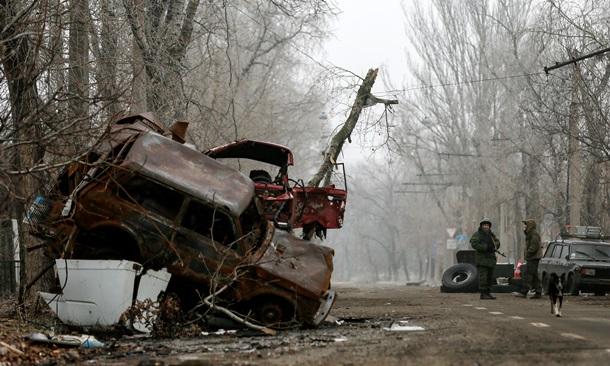 Жизнь в Донецке: новые разрушения и очереди за деньгами от  ДНР. Фото