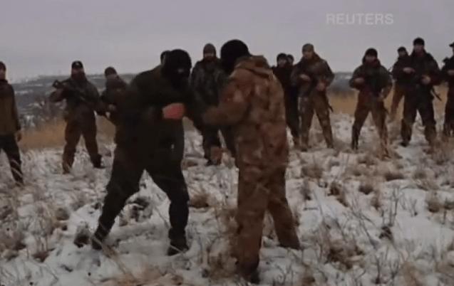 Чеченцы организовали военный лагерь под Донецком. Видео